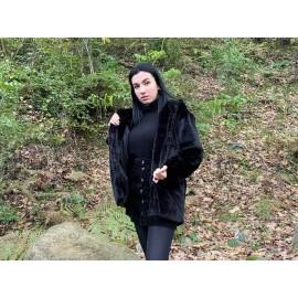 Siyah Kapüşonlu Kürk